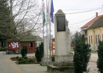 Újszentiván I. világháborús emlékmű 2015.03.14. küldő-Emese (1)