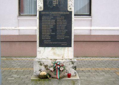 Újszentiván II. világháborús emlékmű 2015.03.14. küldő-Emese