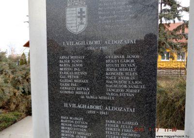 Újszilvás világháborús emlékmű 2015.01.17. küldő-kalyhas (6)