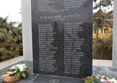 Újszilvás világháborús emlékmű 2015.01.17. küldő-kalyhas (7)