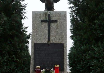 Újudvar világháborús emlékmű 2009.11.21. küldő-Ágca (3)