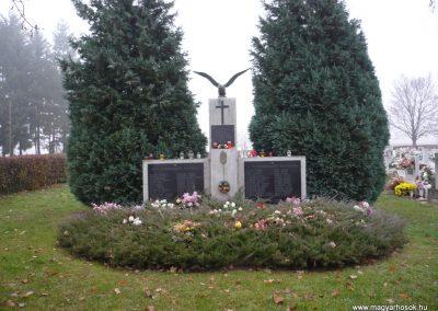 Újudvar világháborús emlékmű 2009.11.21. küldő-Ágca