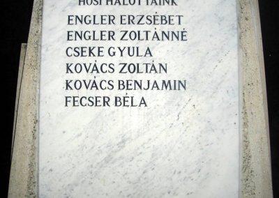Úny világháborús emlékmű 2008.12.29.küldő-Huszár Peti (4)