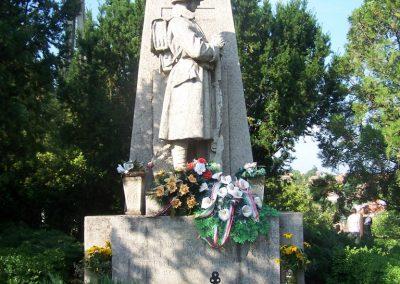 Úri világháborús emlékmű 2009.06.28. küldő-Horváth Zsolt