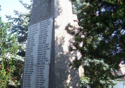 Úri világháborús emlékmű 2009.06.28. küldő-Horváth Zsolt (5)