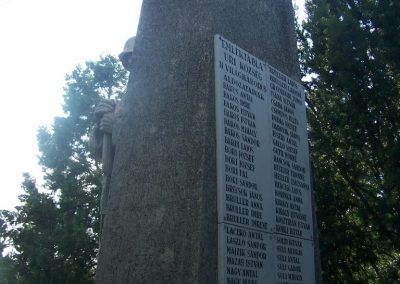 Úri világháborús emlékmű 2009.06.28. küldő-Horváth Zsolt (7)
