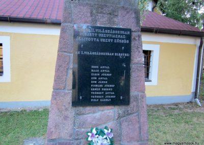 Úrkút világháborús emlékmű 2013.08.17. küldő-kalyhas (5)