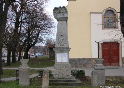 Üröm világháborús emlékmű 2008.02.10. küldő-Zebi (1)