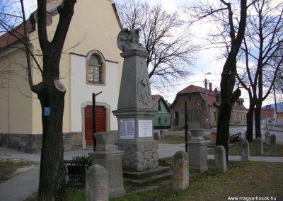 Üröm világháborús emlékmű 2008.02.10. küldő-Zebi