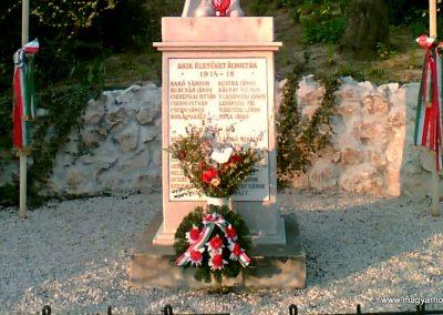 Őrbottyán Vh-s emlékmű 2007.05.18. küldő-Ágca (2)