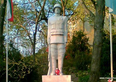 Őrbottyán Vh-s emlékmű 2007.05.18. küldő-Ágca(1)
