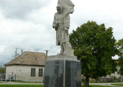 Ősi világháborús emlékmű 2010.05.30. küldő-Ágca