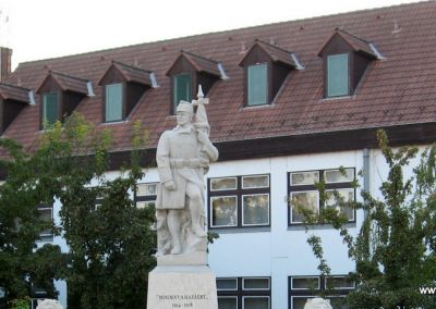 Abádszalók I.vh emlékmű 2008.08.19. küldő-Kályhás (1)
