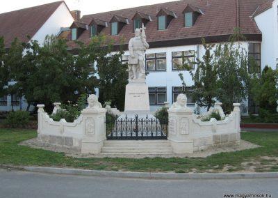 Abádszalók I.vh emlékmű 2008.08.19. küldő-Kályhás