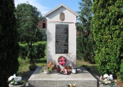 Abaújalpár világháborús emlékmű 2010.07.31. küldő-kalyhas (2)