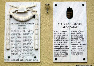 Abaújkér világháborús emléktáblák 2010.06.16. küldő-kalyhas (2)
