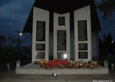 Abaújszántó II.vh emlékmű 2008.05.04.küldő-Ágca