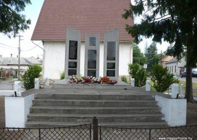Abaújszántó II.vh emlékmű 2009.05.28.küldő-Gombóc Arthur
