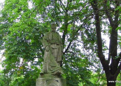 Aba I. világháborús emlékmű 2014.07.12. küldő-Méri (1)