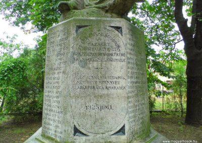 Aba I. világháborús emlékmű 2014.07.12. küldő-Méri (2)