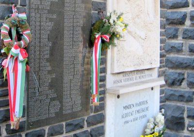Abasár világháborús emlékmű 2008.10.13. küldő-kalyhas (3)