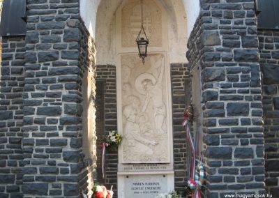 Abasár világháborús emlékmű 2008.10.13. küldő-kalyhas (5)
