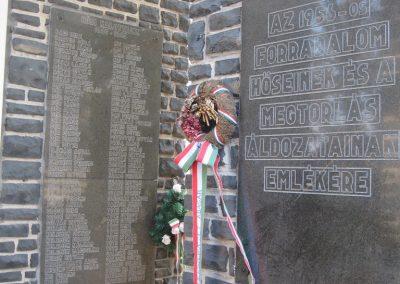 Abasár világháborús emlékmű 2008.10.13. küldő-kalyhas (6)
