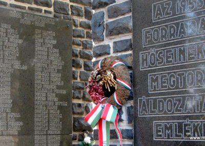 Abasár világháborús emlékmű 2008.10.13. küldő-kalyhas (7)