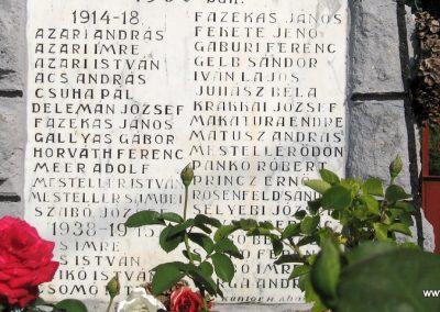Abaujvár világháborús emlékmű 2009.08.02. küldő-megtorló (3)