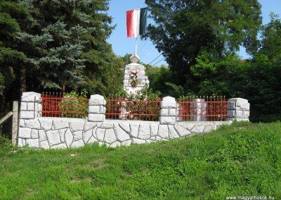 Abaujvár világháborús emlékmű 2009.08.02. küldő-megtorló