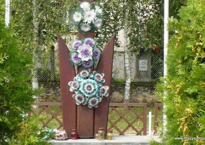 Abod világháborús emlékmű 2010.08.14. küldő-Gombóc Arthur (2)