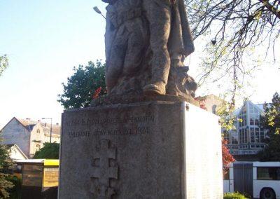 Abony I.vh emlékmű 2009.04.26. küldő-miki (12)