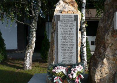 Ajak világháborús emlékmű 2010.09.12. küldő-sümec (3)