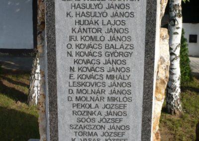 Ajak világháborús emlékmű 2010.09.12. küldő-sümec (5)