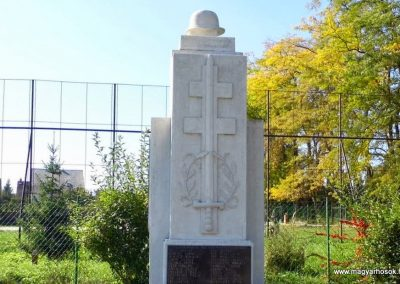 Ajka - Ajkarendek világháborús emlékmű 2013.10.06. küldő-Méri (3)