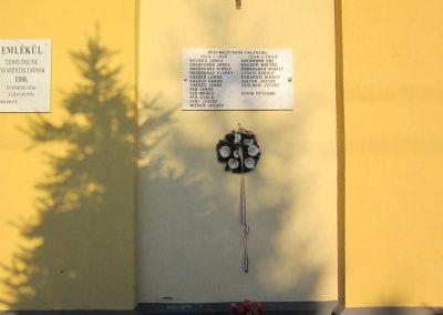 Ajka-Bakonygyepes világháborús emléktábla 2013.08.17. küldő-kalyhas (2)