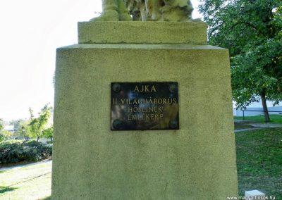 Ajka I. világháborús emlékmű 2013.10.06. küldő-Méri (3)