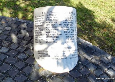 Ajka II. világháborús emlékmű 2013.10.06. küldő-Méri (2)