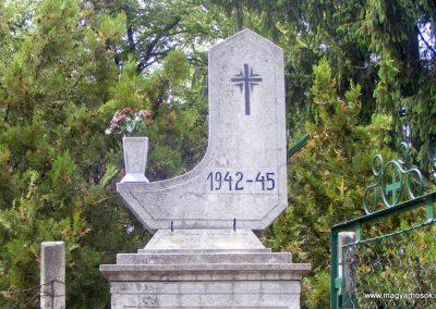 Aka II. világháborús emlékmű 2013.05.18. küldő-Méri (1)