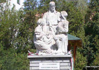 Akasztó világháborús emlékmű 2007.08.21. küldő-HunMi (1)