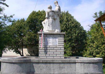 Akasztó világháborús emlékmű 2007.08.21. küldő-HunMi (2)