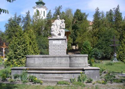 Akasztó világháborús emlékmű 2007.08.21. küldő-HunMi