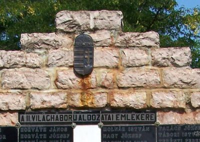 Alap II.vh emlékmű 2008.08.23. küldő-Balhegy Gabriella (2)