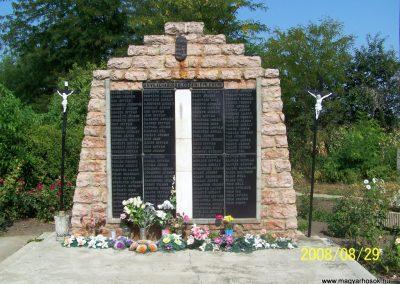 Alap II.vh emlékmű 2008.08.23. küldő-Balhegy Gabriella