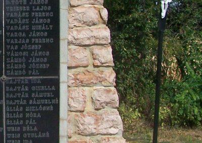 Alap II.vh emlékmű 2008.08.23. küldő-Balhegy Gabriella (7)