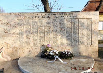 Albertirsa II. világháborús emlékmű 2015.02.19. küldő-kalyhas (3)