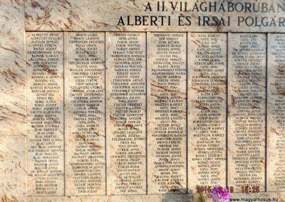 Albertirsa II. világháborús emlékmű 2015.02.19. küldő-kalyhas (4)