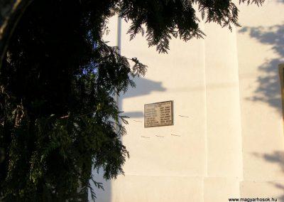 Alcsútdoboz világháborús emléktáblák 2012.06.23. küldő-Méri (3)