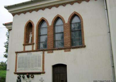 Algyő I. világháborús emléktábla a Szent-Anna templom falán 2014.09.20. küldő-Emese (2)