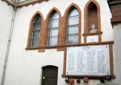 Algyő II. világháborús emléktábla a Szent-Anna templom falán 2014.09.20. küldő-Emese (3)